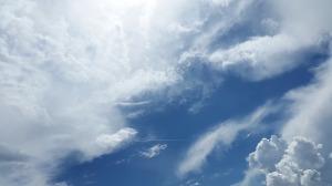 sky-1441936_640